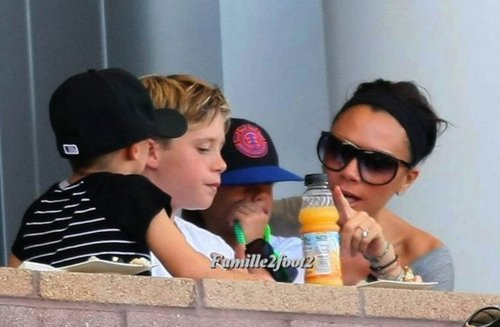 Beckham family - wags Photo