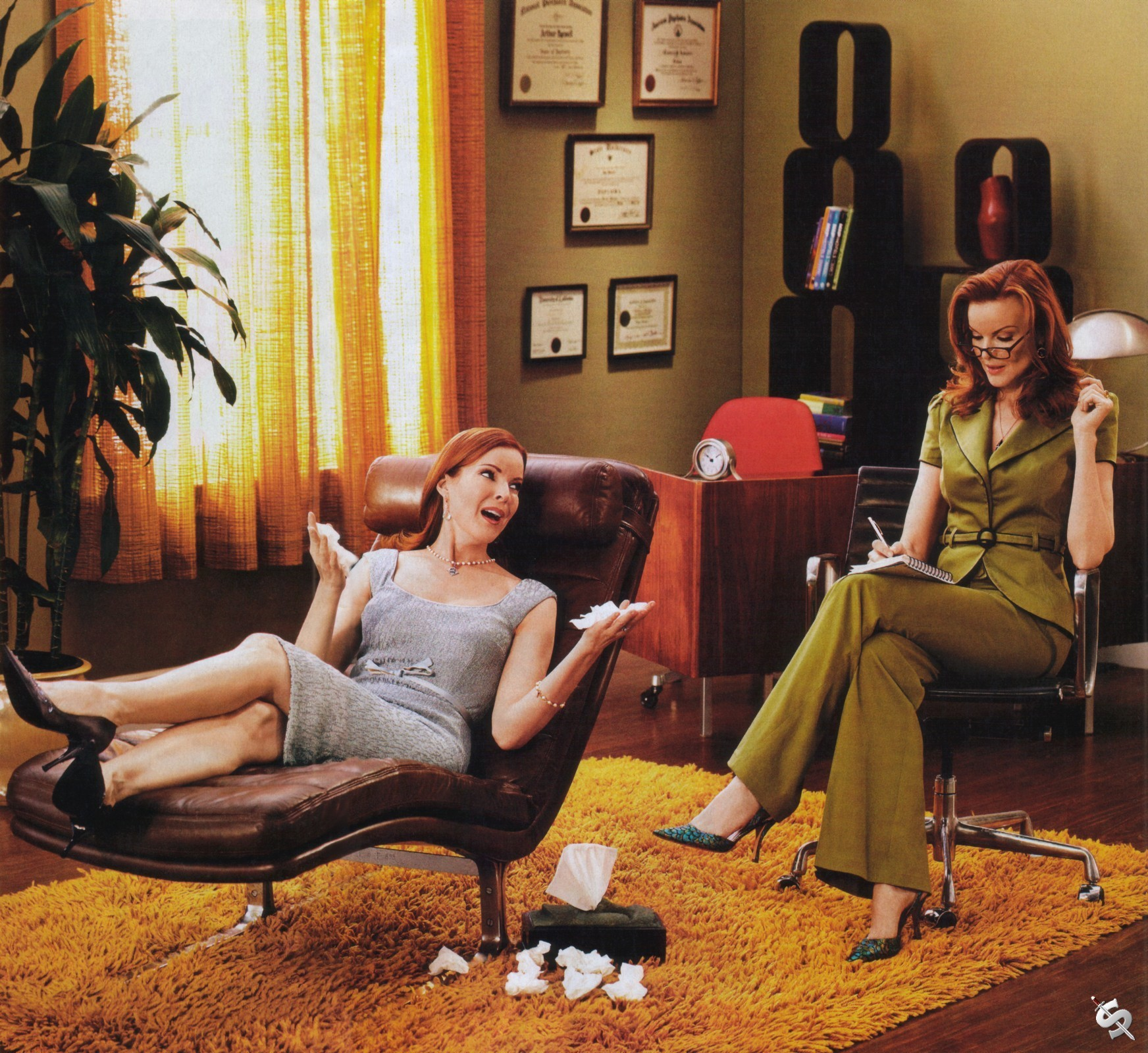 http://images2.fanpop.com/image/photos/9100000/Bree-van-de-kamp-desperate-housewives-9199495-1744-1600.jpg