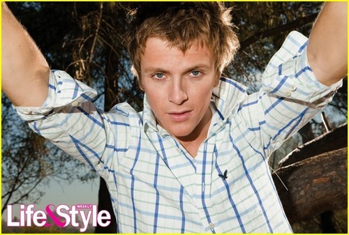 Charlie Bewley wallpaper entitled Charlie Bewley for Life&Style