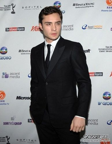 Ed Westwick Hintergrund containing a business suit, a suit, and a three piece suit titled Ed.