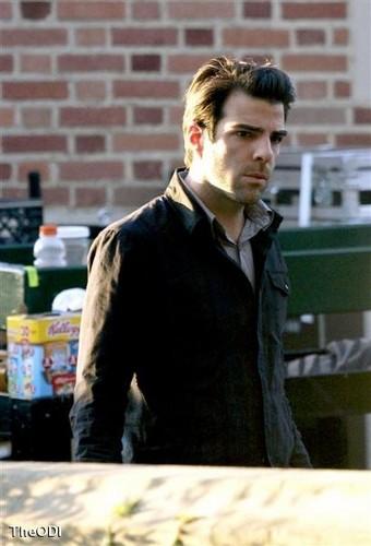 Giải cứu thế giới - New Season 4 Set Pics of Claire and Sylar
