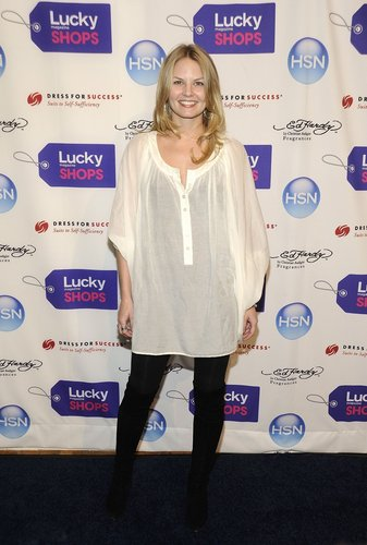 Jennifer @ Lucky Magazine Hosts 6th Annual Lucky Shops [November 5, 2009]