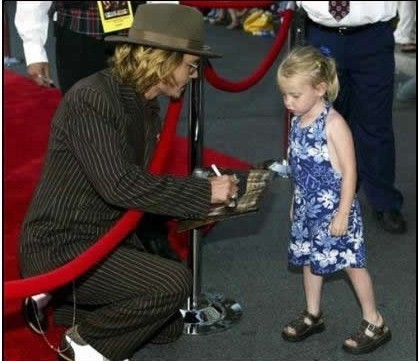 johnny depp younger. Johnny Meets A Cute, Young Fan