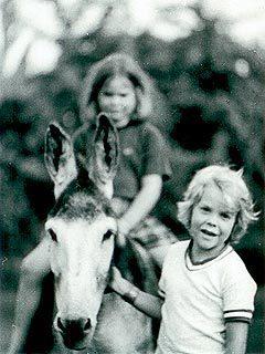 кифер сазерленд и его сестра фото