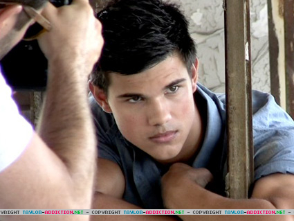 Taylor/Jacob Fan Girls wallpaper probably containing a holding cell and a penal institution titled Men's Health Magazine Photoshoot