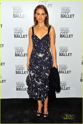 Natalie Portman is Ballet Beautiful