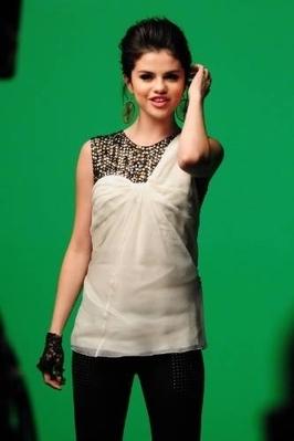 Naturally Video Shoot Picture - selena-gomez photo