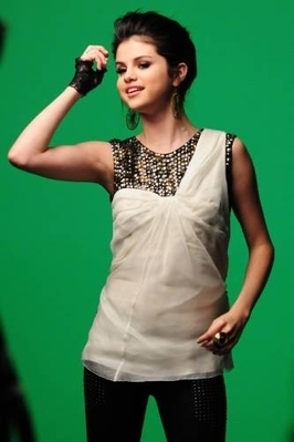 Naturally Video Shoot Picture - selena-gomez photo
