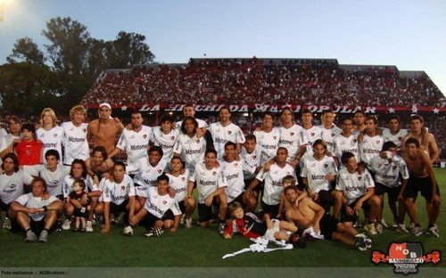 Newell's Old Boys' players at the Banderazo