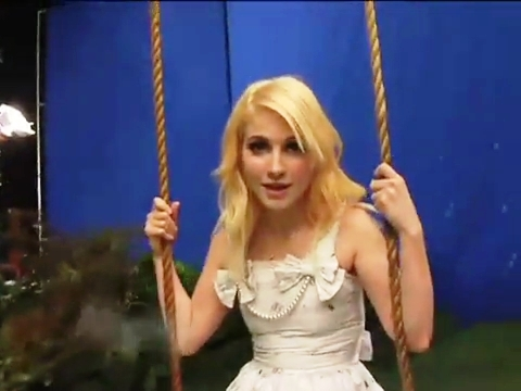 Paramore _ Making of Brick bởi Boring Brick MV
