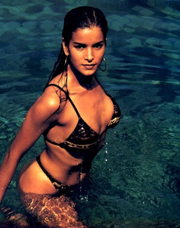 Patricia Velasquez - Photo Set