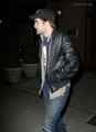 ROBERT PATTINSON IN NYC 11/20  - twilight-series photo