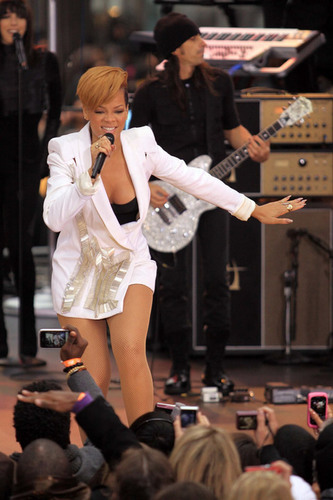 Rihanna performing on Good Morning America