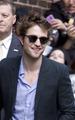 Rob arriving at Letterman  - twilight-series photo