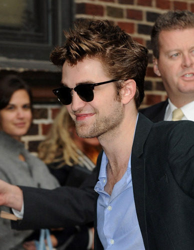 Rob arriving at the Letterman show