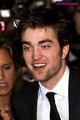 Robert Pattinson Close-Ups from New Moon Premiere  - twilight-series photo