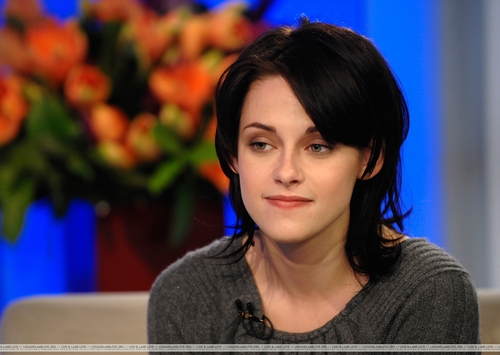 Stills from Kristen Stewart @ The Today tampil