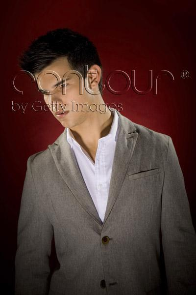 http://images2.fanpop.com/image/photos/9100000/Taylor-Lautner-LA-Times-Outtakes-twilight-series-9159747-400-600.jpg