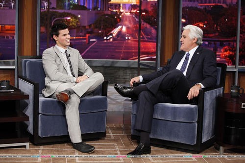Taylor/Jacob Fan Girls wallpaper with a business suit, a well dressed person, and a suit titled Taylor on Jay Leno