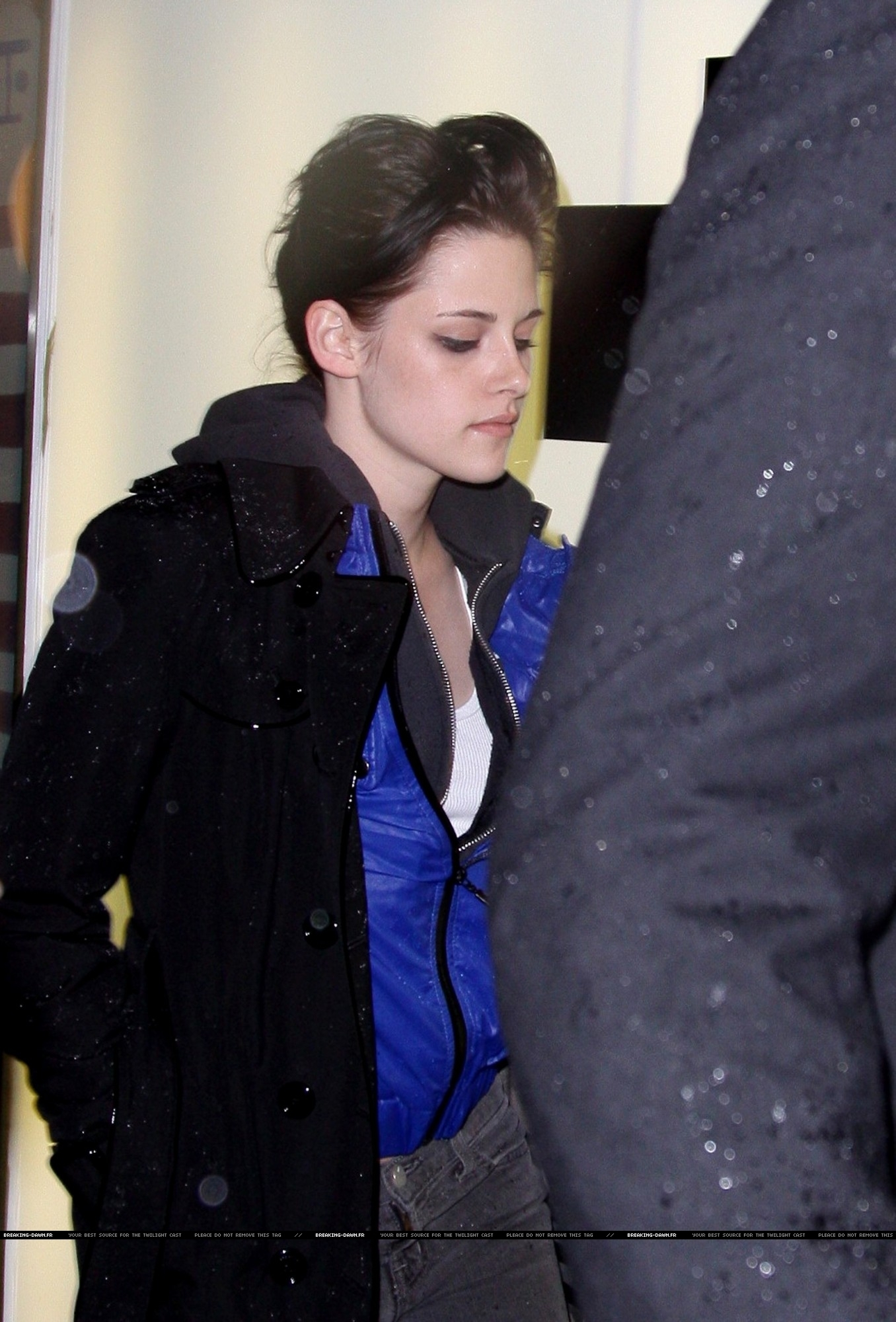 kristen stewart out In New York - November 19