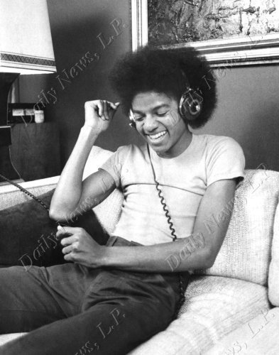 Michael Jackson kertas dinding probably with a living room, a family room, and a drawing room titled sexy 70's