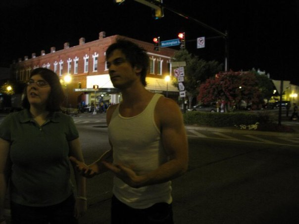 http://images2.fanpop.com/image/photos/9200000/Behind-The-Scenes-the-vampire-diaries-tv-show-9286292-604-453.jpg