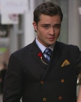 Gossip Girl karatasi la kupamba ukuta containing a business suit and a suit called Chuck Bass♥