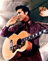Elvis Presley 1957 Loving You Movie violão, guitarra Shot
