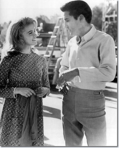 Elvis Presley Hintergrund titled Elvis Presley and Ann-Margret