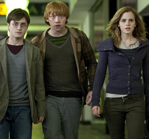 Emma Watson fond d'écran entitled First Deathly Hallows Still