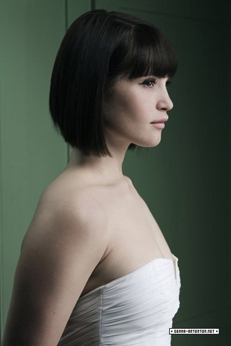 Gemma Arterton achtergrond possibly containing a avondeten, diner dress, a cocktail dress, and a strapless titled Gemma Arterton | Marie Claire Photoshoot (2007)