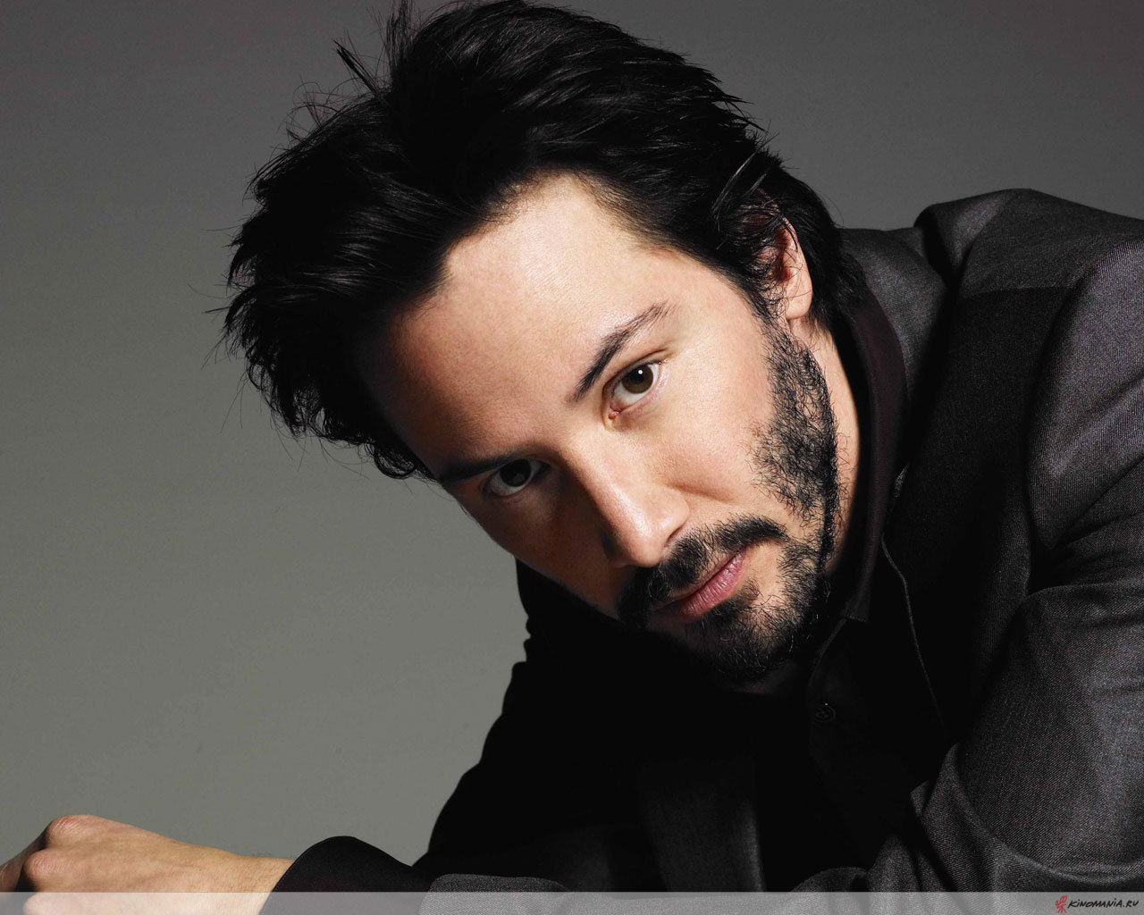 who is keanu reeves currently dating