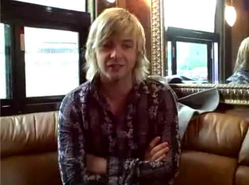 Кит Харкин Обои with a drawing room, a morning room, and a window сиденье, место, сиденья titled Keith Harkin--Blog Screenies