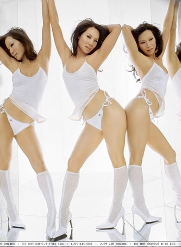 Lucy Liu wallpaper probably containing a bikini titled Lucy