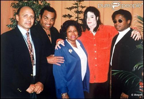 MJ FAMILY