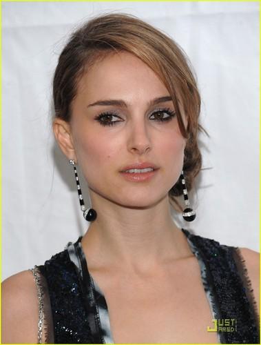 Natalie Portman Goes To The Gotham Awards
