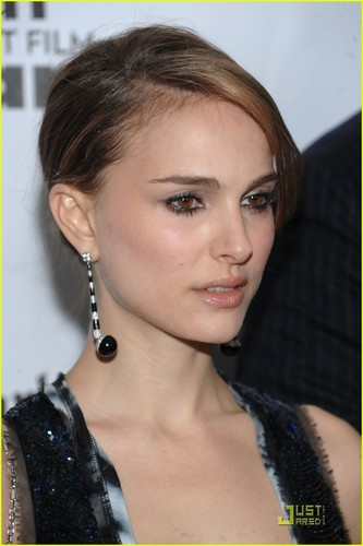 Natalie Portman Goes To The Gotham Awards