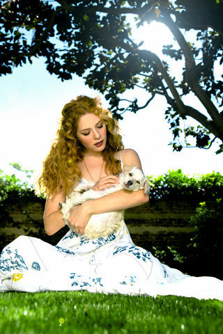 http://images2.fanpop.com/image/photos/9200000/Rachelle-twilight-series-9254542-320-480.jpg