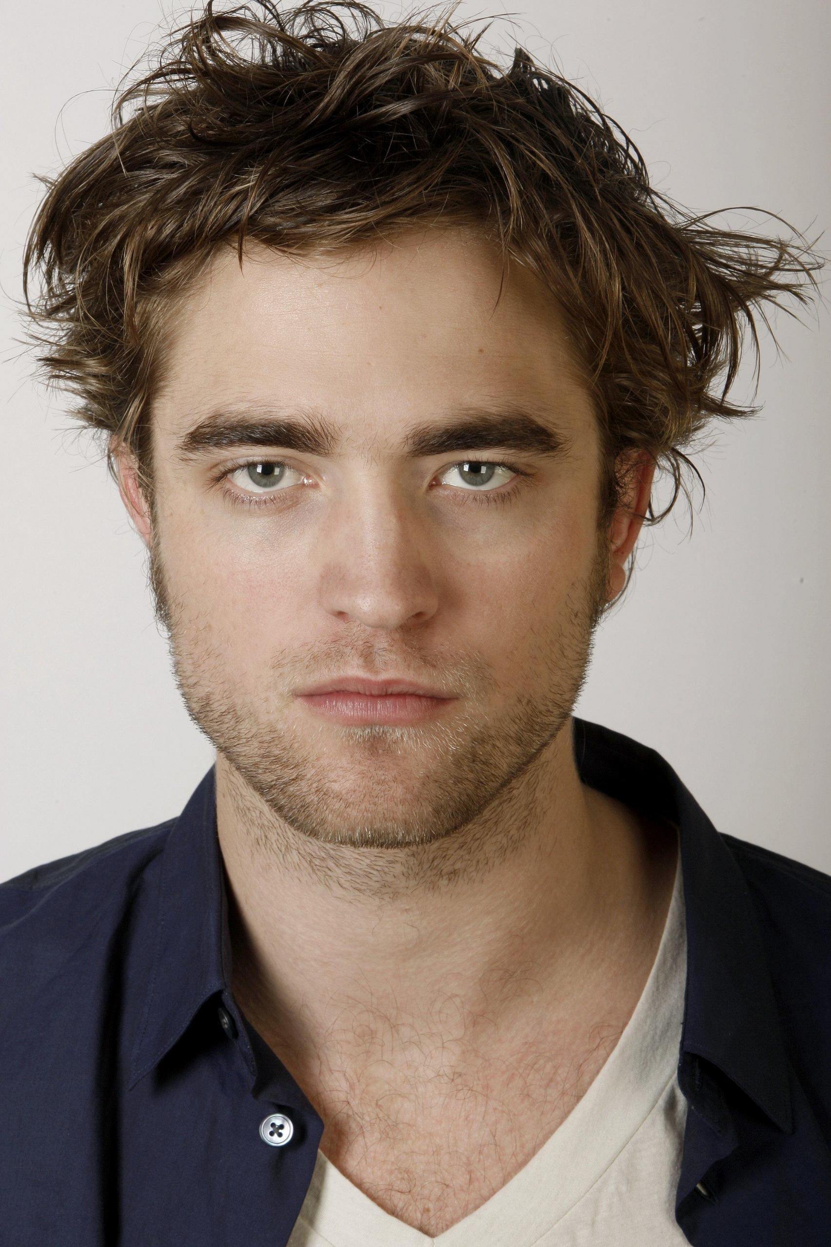 [Image: Rob-Pattinson-s-Matt-Sayles-photoshoot-r...7-2560.jpg]