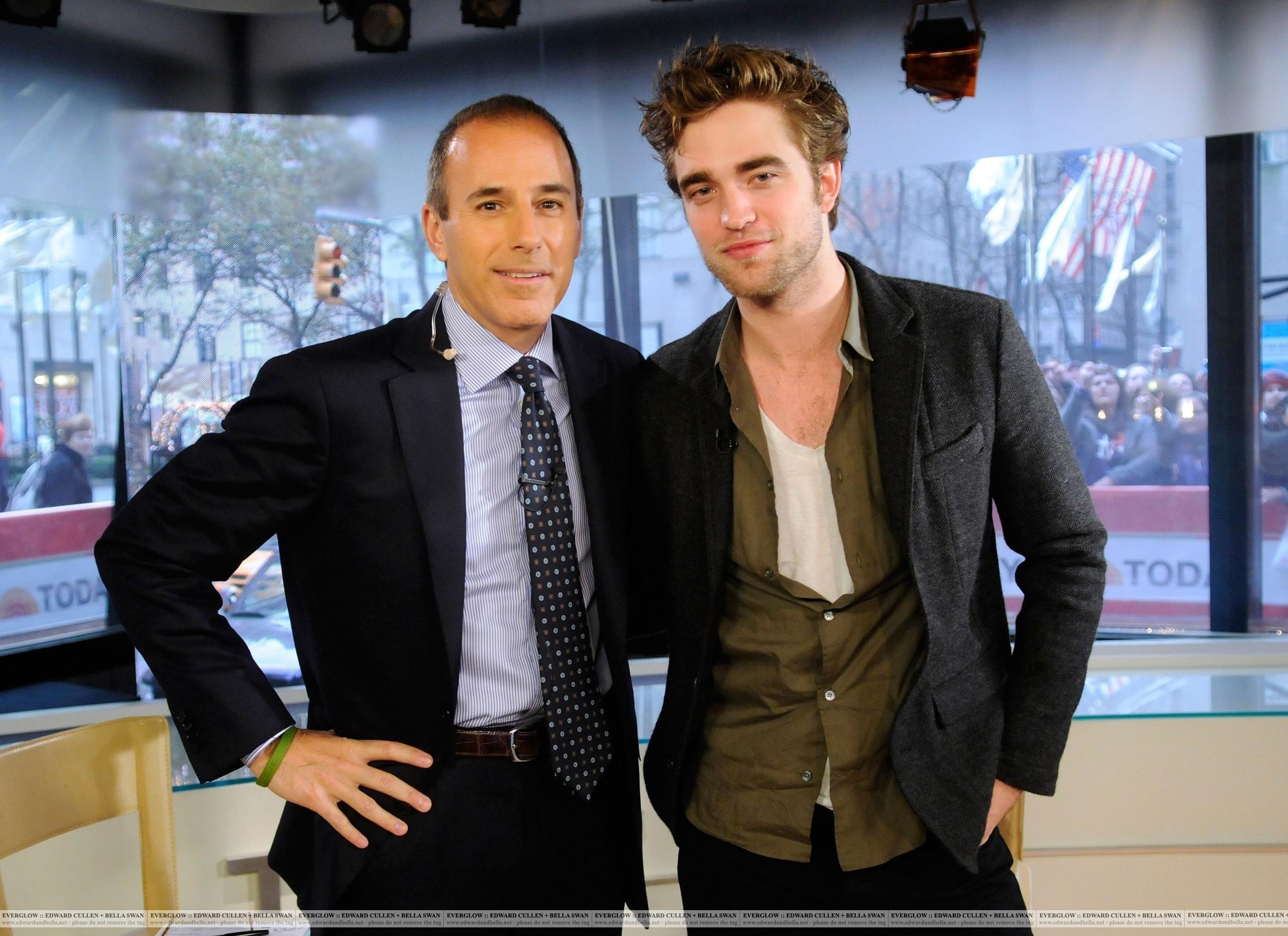 Robert Pattinson TODAY दिखाना