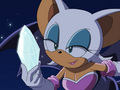 Rouge holding a diamond - rouge-the-bat screencap