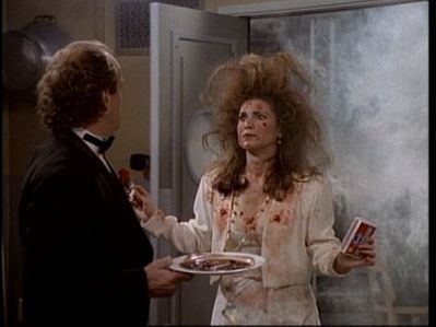 Frasier fondo de pantalla possibly with a cena table, a brasserie, and a holiday cena entitled Roz's Freaky Hair.