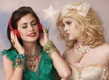 http://images2.fanpop.com/image/photos/9200000/Tarina-Tarantino-Jewelry-and-Accessories-jewelry-9271235-432-316.jpg
