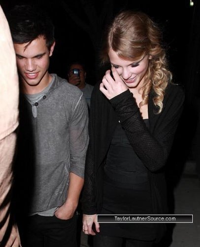 Taylor Lautner and Taylor تیز رو, سوئفٹ in Los Angeles (December 3rd)