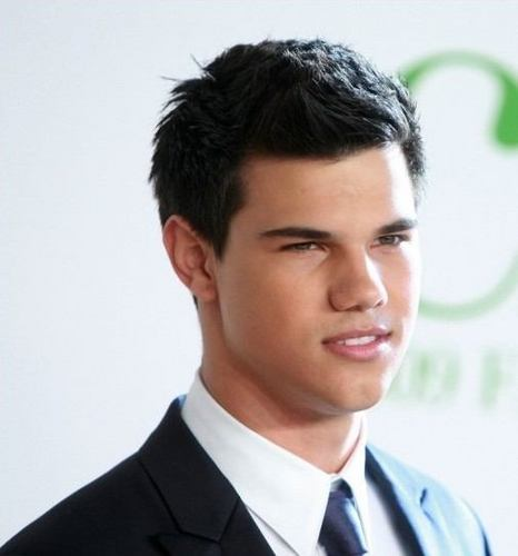 Taylor/Jacob 팬 Girls 바탕화면 with a business suit and a suit called Taylor Lautner