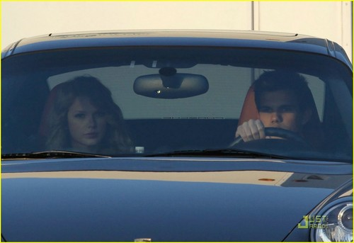 Taylor Swift & Taylor Lautner: Valentine's Day Duo