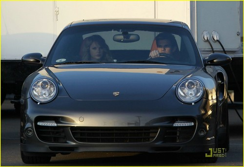 Taylor Lautner and Taylor Swift wallpaper possibly containing a coupe and a sedan titled Taylor Swift & Taylor Lautner: Valentine's Day Duo