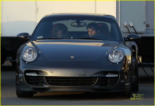 Taylor Lautner and Taylor Swift wallpaper probably containing a coupe, a sedan, and a convertible entitled Taylor Swift & Taylor Lautner: Valentine's Day Duo
