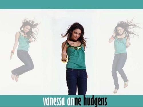 V.Hudgens Wallpapers <3