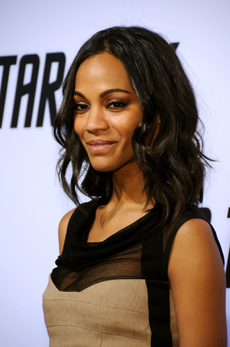 Zoe Saldana | estrela Trek DVD Release Party (HQ)